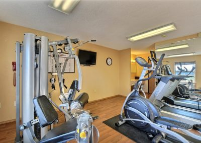 Comfort Inn Fond du Lac Fitness Center Weight Machine Elliptical Treadmills