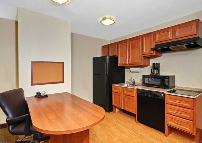 Candlewood Suites Milwaukee Airport ADA Suite Full Kitchen Extended Stay