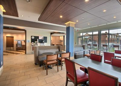 Holiday Inn Express Fond du Lac Breakfast Room Dining Area Windows