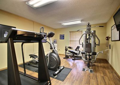 Comfort Inn Fond du Lac Fitness Center Treadmill Elliptical Weight Machine