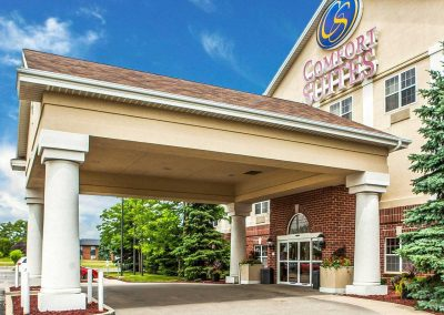 Comfort Suites Milwaukee Airport Exterior Entrance Day