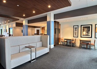 Holiday Inn Express Fond du Lac Lobby