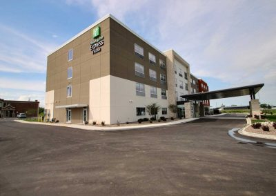 Holiday Inn Express Fond du Lac Exterior Parking Lot Blue Sky