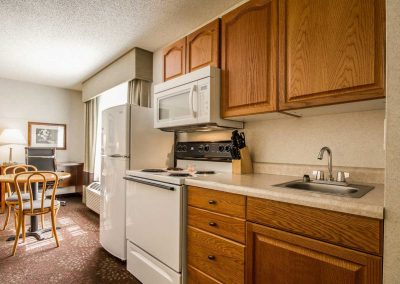 Comfort Inn Fond du Lac Full Kitchen Dining Table
