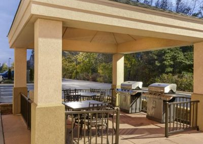 Candlewood Suites Milwaukee Airport Gas Grill Outdoor Patio