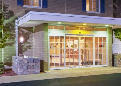 Candlewood Suites Milwaukee Airport Exterior Entrance Night