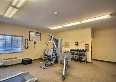 Candlewood Suites Milwaukee Airport Fitness Center Free Weights Weight Machine Window