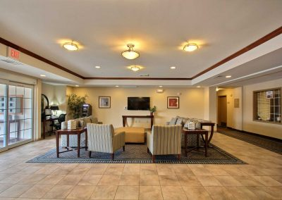 Candlewood Suites Milwaukee Airport Lobby Entrance Seating Area