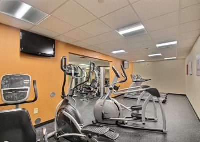 Comfort Suites Milwaukee Airport Fitness Center Ellipticals Stationary Bike Treadmills