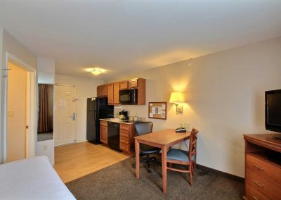 Candlewood Suites Milwaukee Airport Studio Suite Full Kitchen