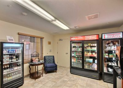 Candlewood Suites Milwaukee Airport Cupboard Convenience Store Sitting Area