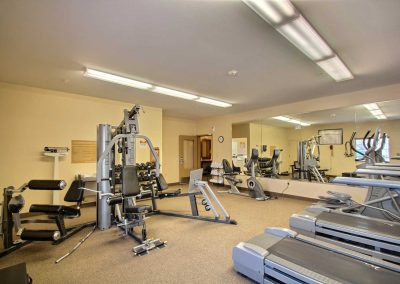 Candlewood Suites Milwaukee Airport Fitness Center Weight Machine Mirrored Wall Stationary Bike Ellipticals Treadmills